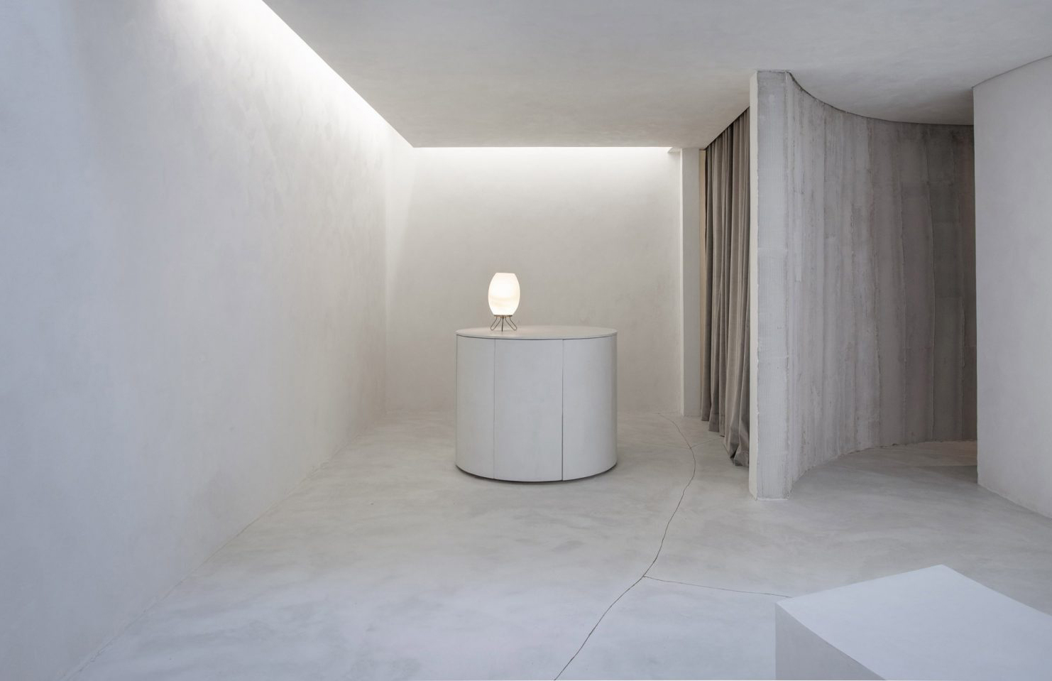 Selo Store in Sao Paulo takes minimalism to the max