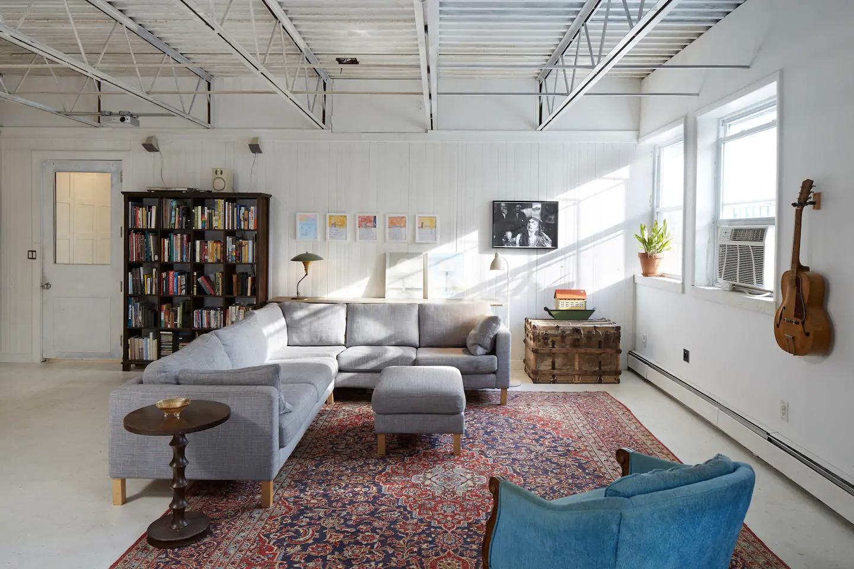 Sunny artist loft, Brooklyn