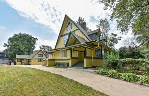 Early experimental Frank Lloyd Wright home lists for $175k