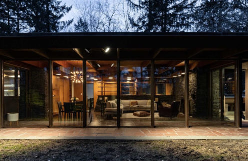 Usonian style home by Aaron Resnick hits the market in New York
