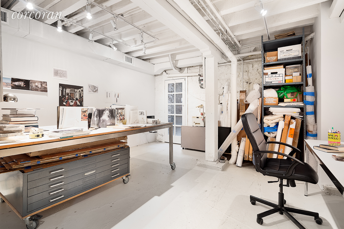 An added bonus is the basement level workshop which means the carriage house is an idea live/work space