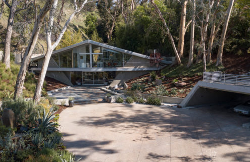 Harry Gesner's 1960 Triangle House  is for sale in Los Angeles