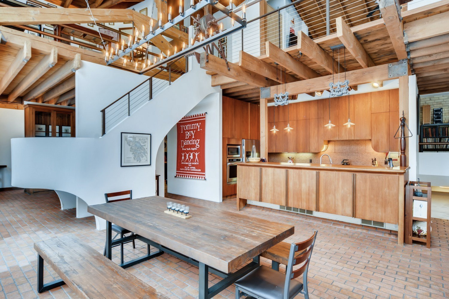 Converted carriage house for sale: 260 Maiden Lane, Saint Paul, MN 55102