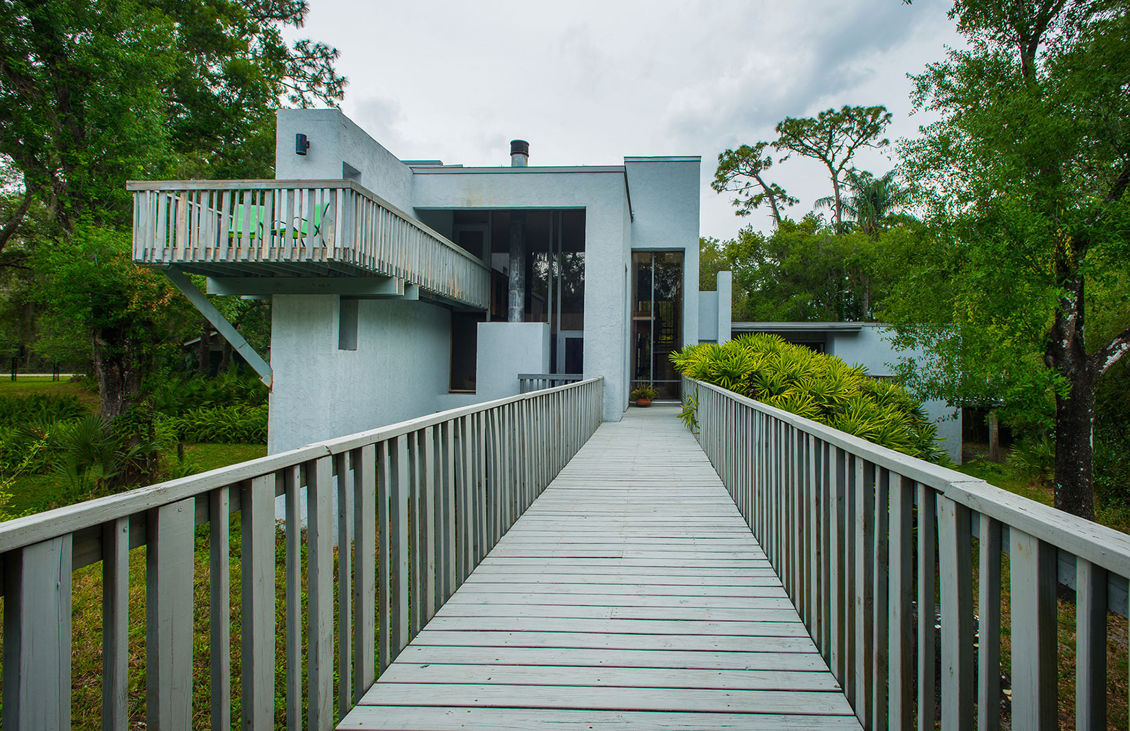 Frank Lloyd Wright-inspired Orlando home lists for $865k