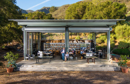 Barton Myers is selling his pioneering prefab Santa Barbara home
