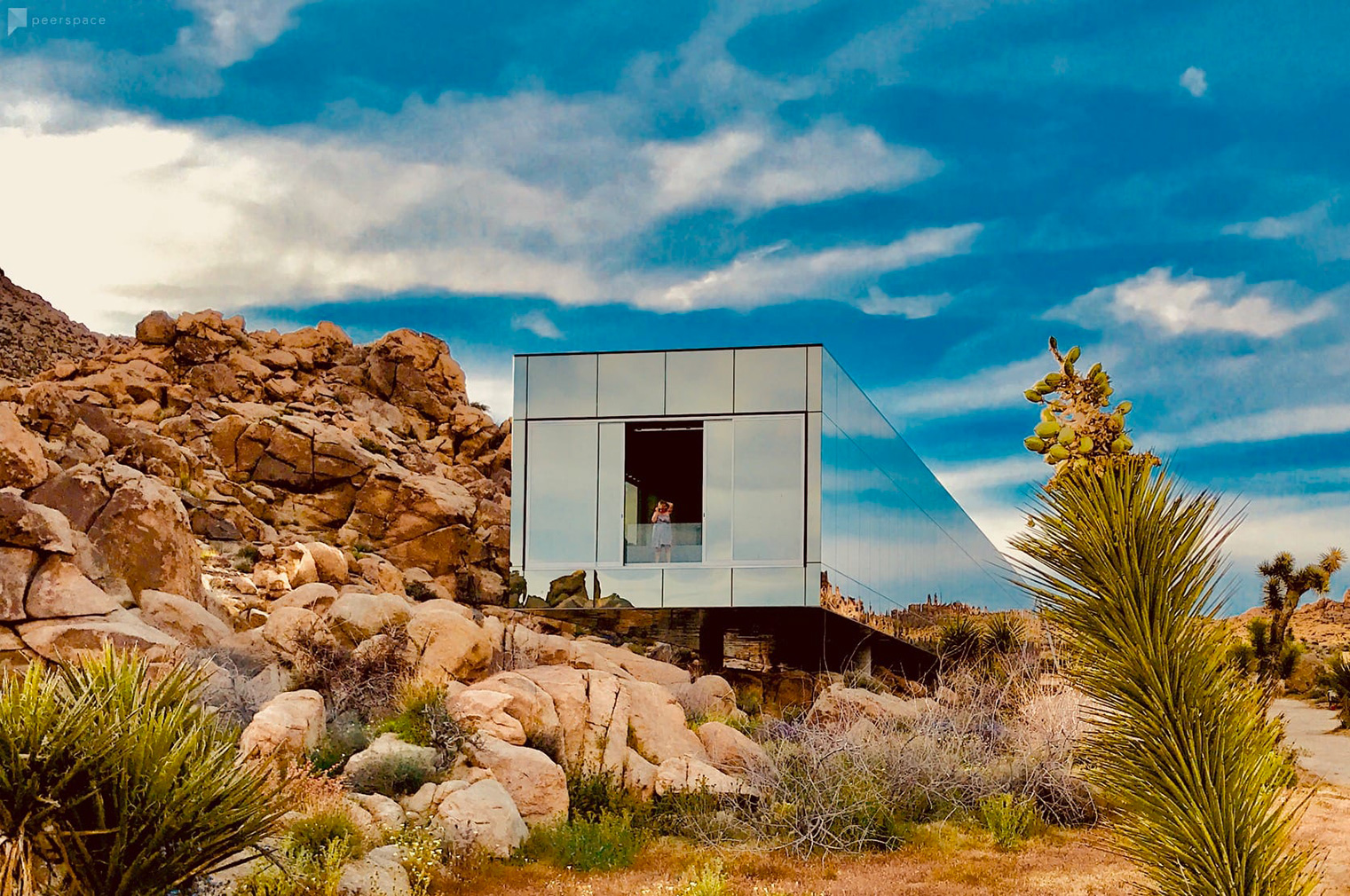 Invisible House reflects the Californian desert from its mirror-clad walls