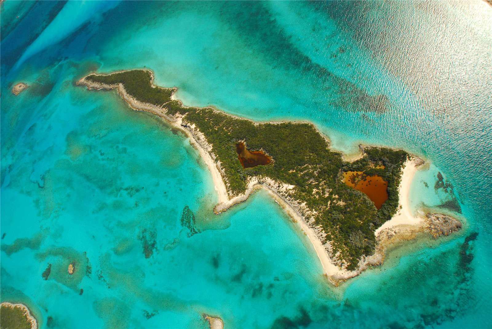 Leaf Cay in Exuma Cays, Bahamas