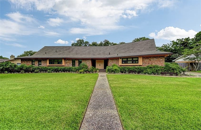 Neil Armstrong's former Texas home is for sale