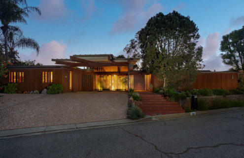 A Japanese-inspired post and beam by Ray Kappe lists in Los Angeles