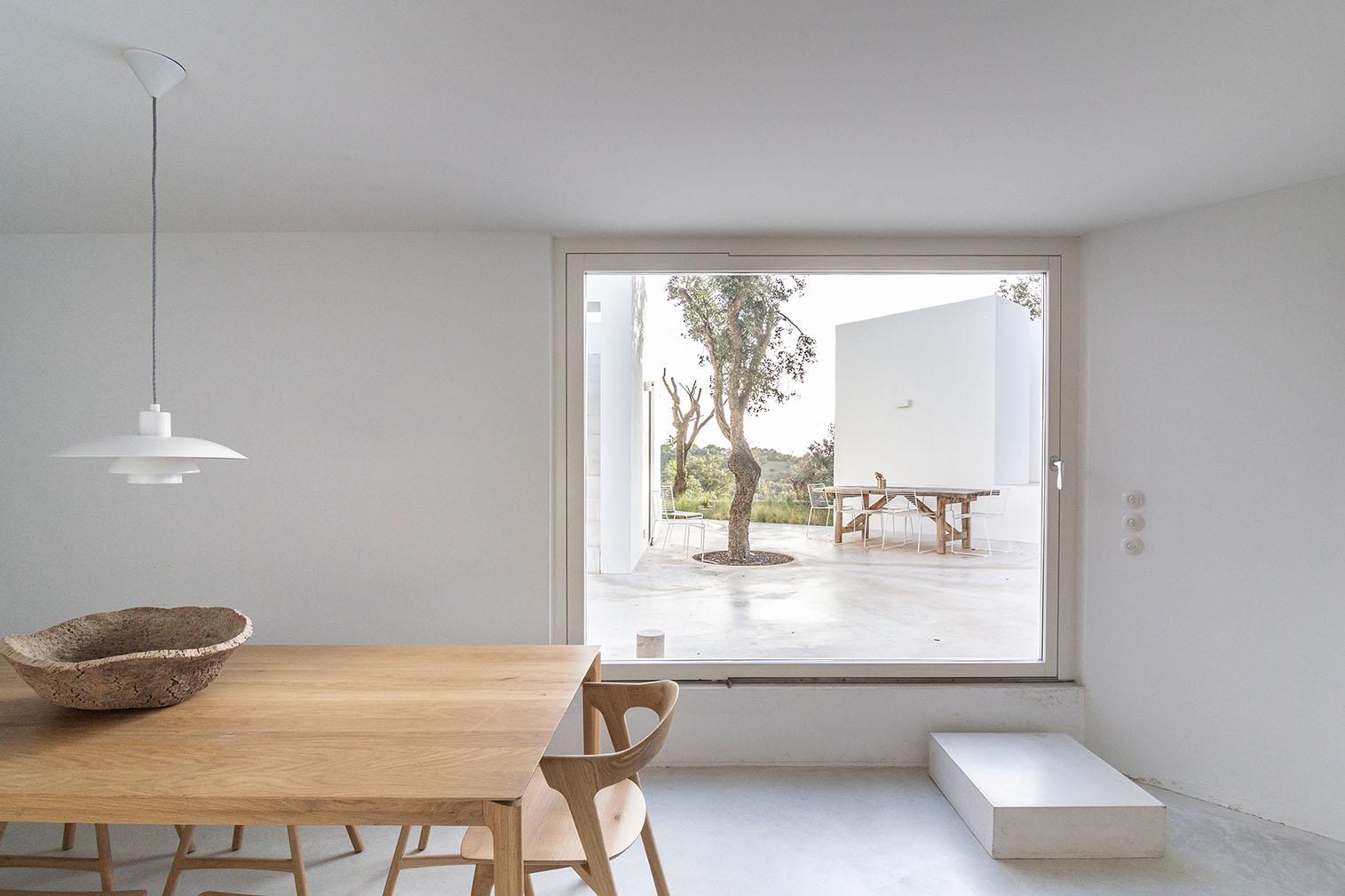 Minimalist Algarve retreat Casa Luum is for sale
