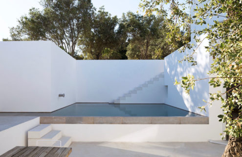 Minimalist Algarve retreat Casa Luum is for sale