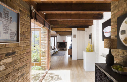 Converted stable asks for £1.25m in London's East Dulwich