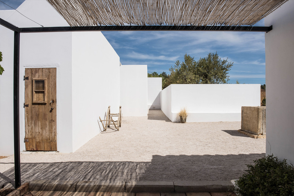 Pensão Agrícola takes its roots from a traditional farmhouse dating from 1920