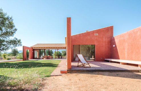 This dusty pink Mallorca home channels Mexican modernism