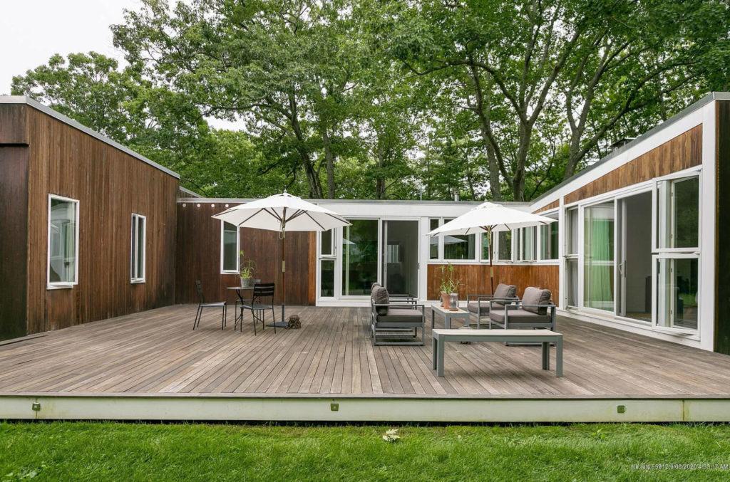 Marcel Breuer-designed Cape Elizabeth cottage asks for $1.149m