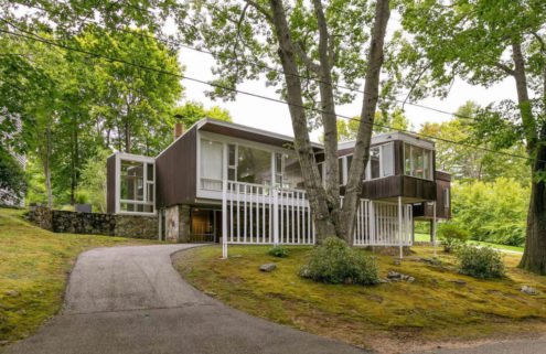 Marcel Breuer-designed Cape Elizabeth cottage asks for $1.149m