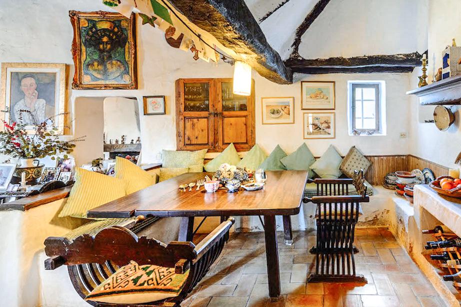 Rustic Ibizan finca is an creative island idyll