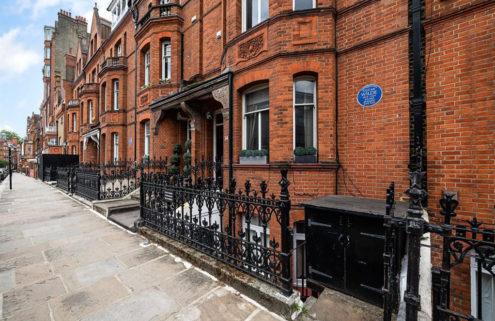 Oscar Wilde's Chelsea flat is for sale