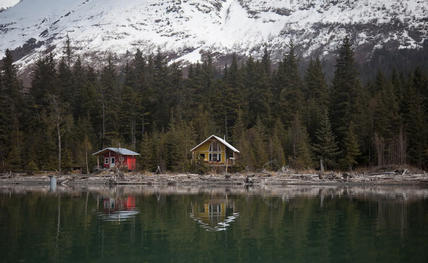 Alaskan cabins for rent at Kenai Lake