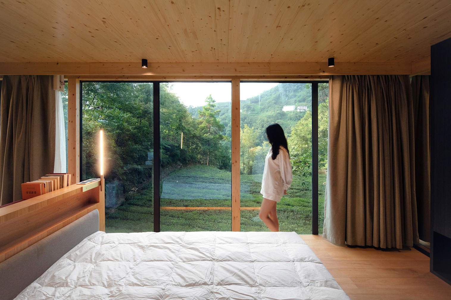 Yichang's Mountain and Cloud Cabins are 'spaceships in the woods'