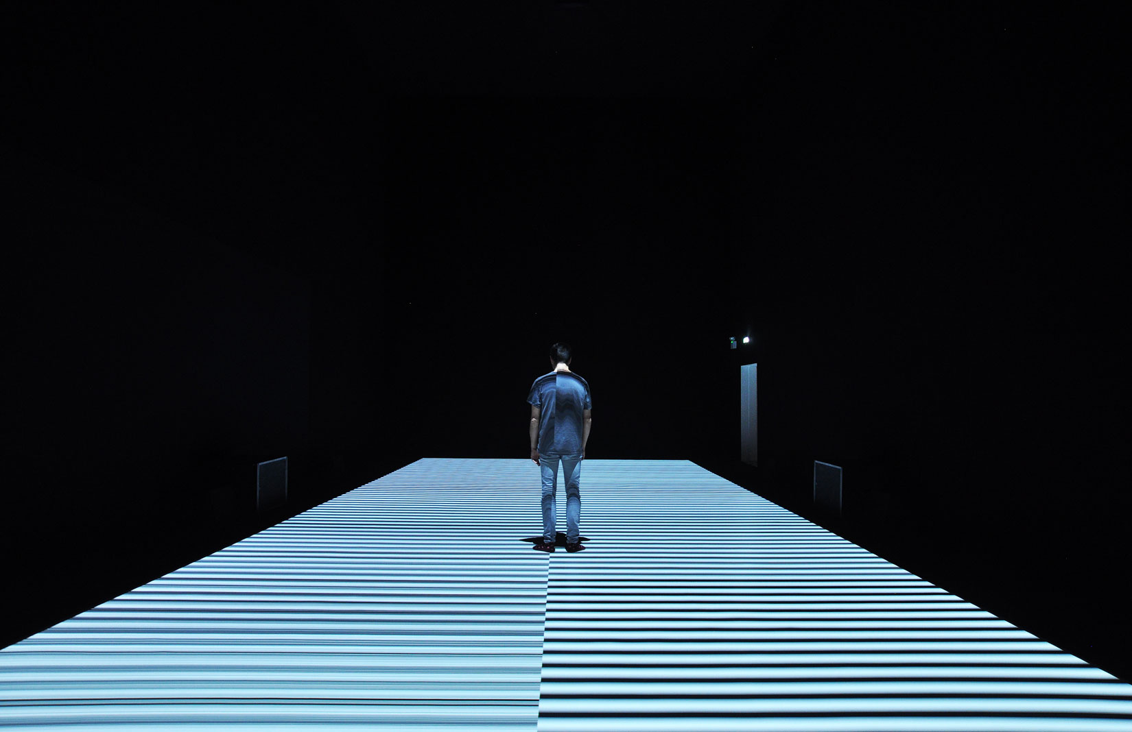 Ryoji Ikeda, 'test pattern no 12', site specific installation 2017. (c) Ryoji Ikeda. Photography: Rosella Degori Courtesy of The Vinyl Factory