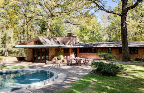 Frank Lloyd Wright's Usonian Carr House is for sale near Chicago