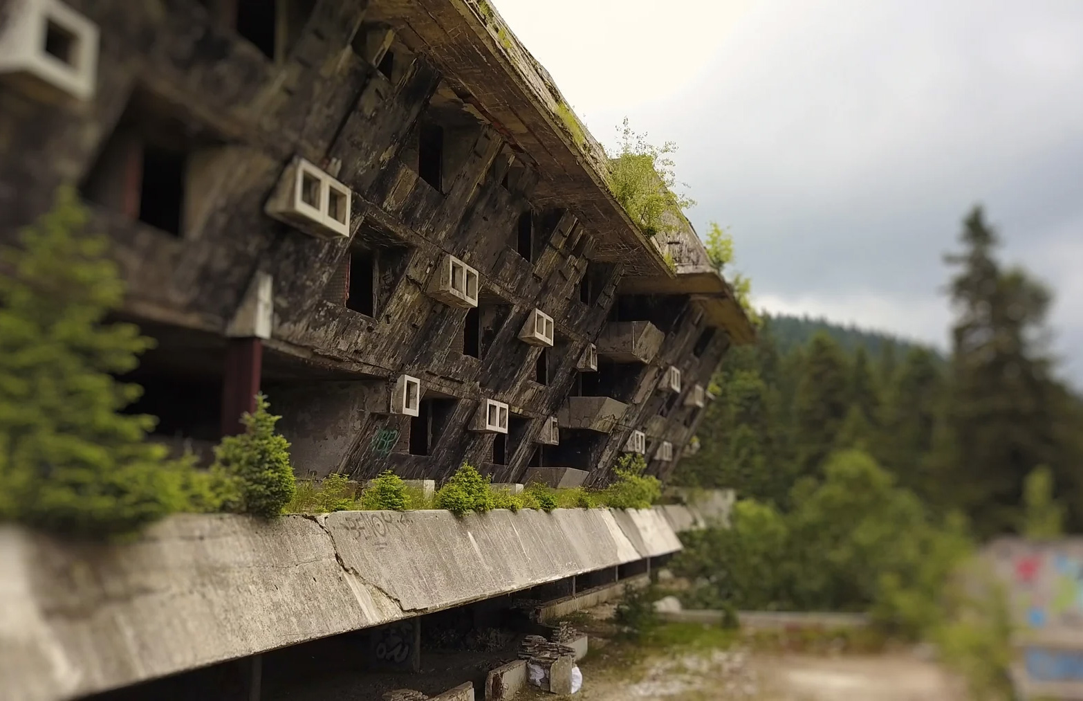 Sarajevo's abandoned ski-lifts, bobsleigh runs and crumbling Olympic village are captured by Berlin-based filmmaker Joerg Daiber in this short film.