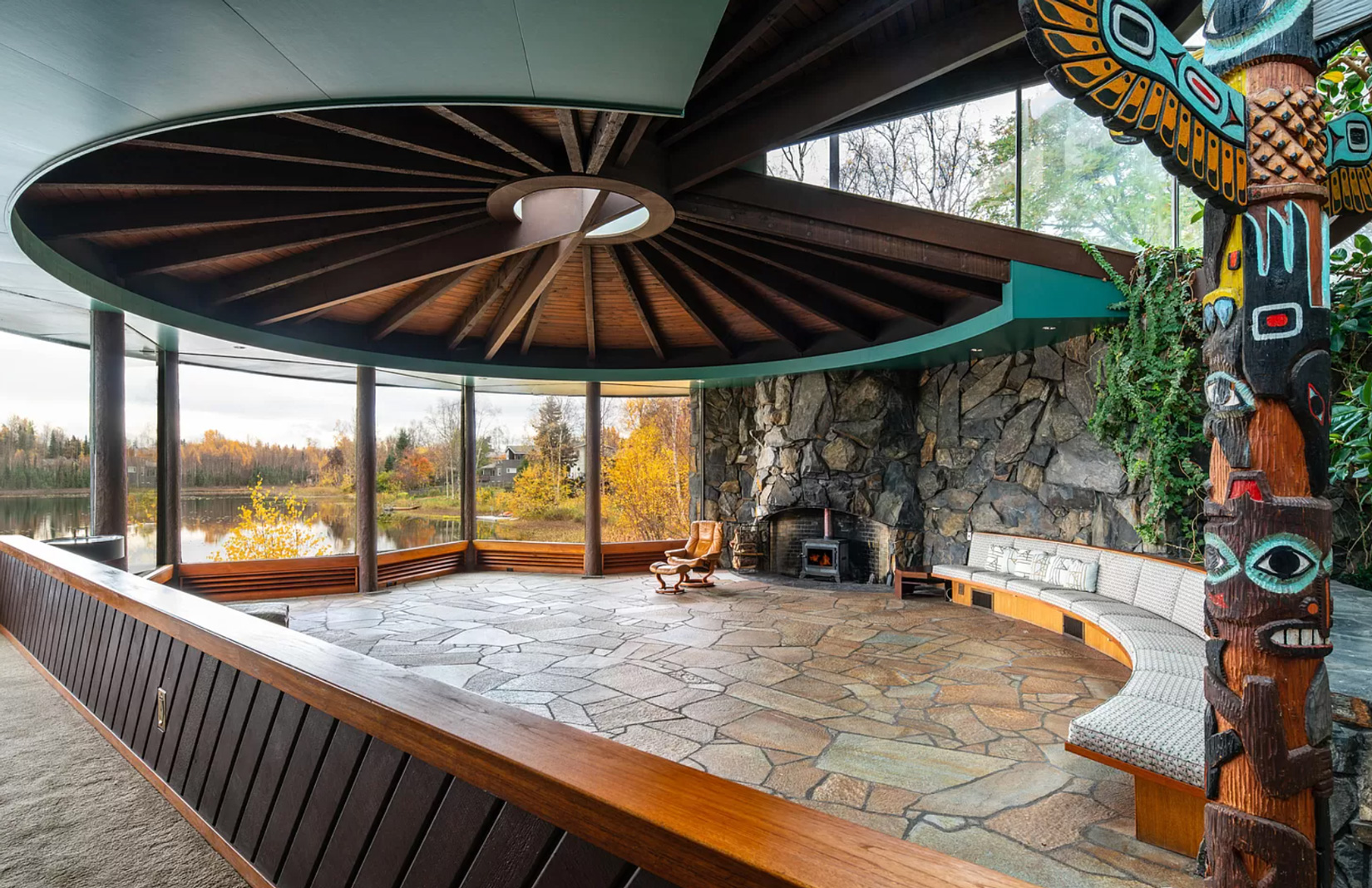 John Lautner's only Alaska home is for sale