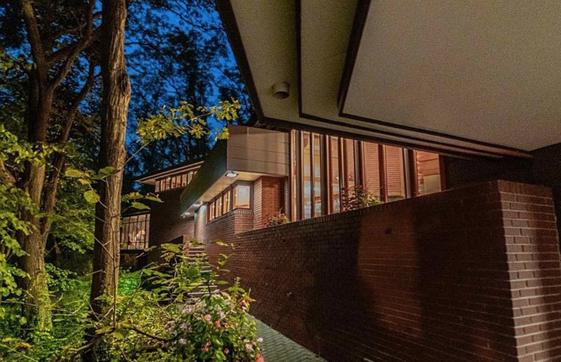 Frank Lloyd Wright's Armstrong Dune House is on the market in Indiana