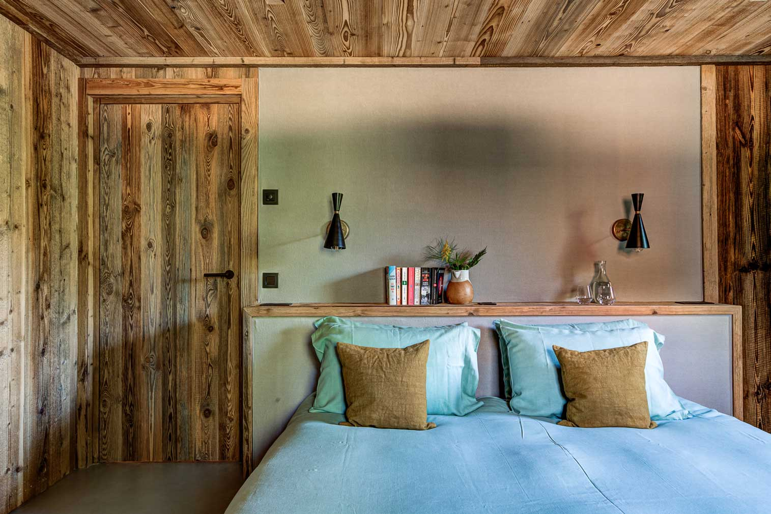 Revived French farmhouse Ferme Fougere is a 'modern-rustic' alpine retreat