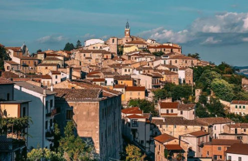 Homes in this tiny Italian village now cost just €1