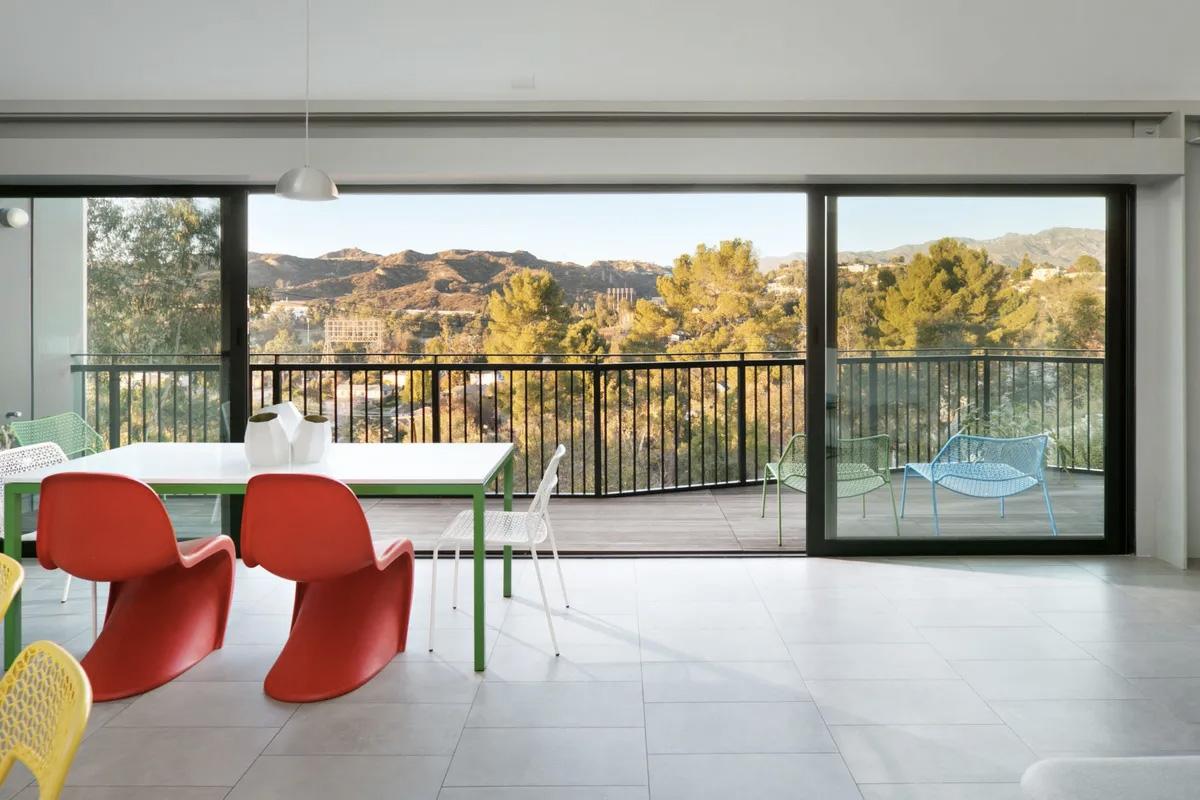 Kaweah House by Elsye Alams in Pasadena California