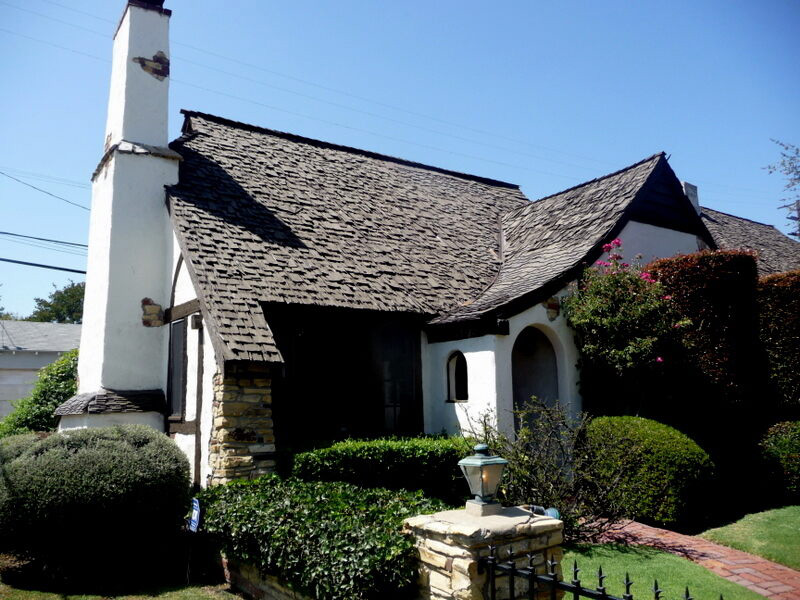 Snow White Cottages in Los Feliz Los Angeles