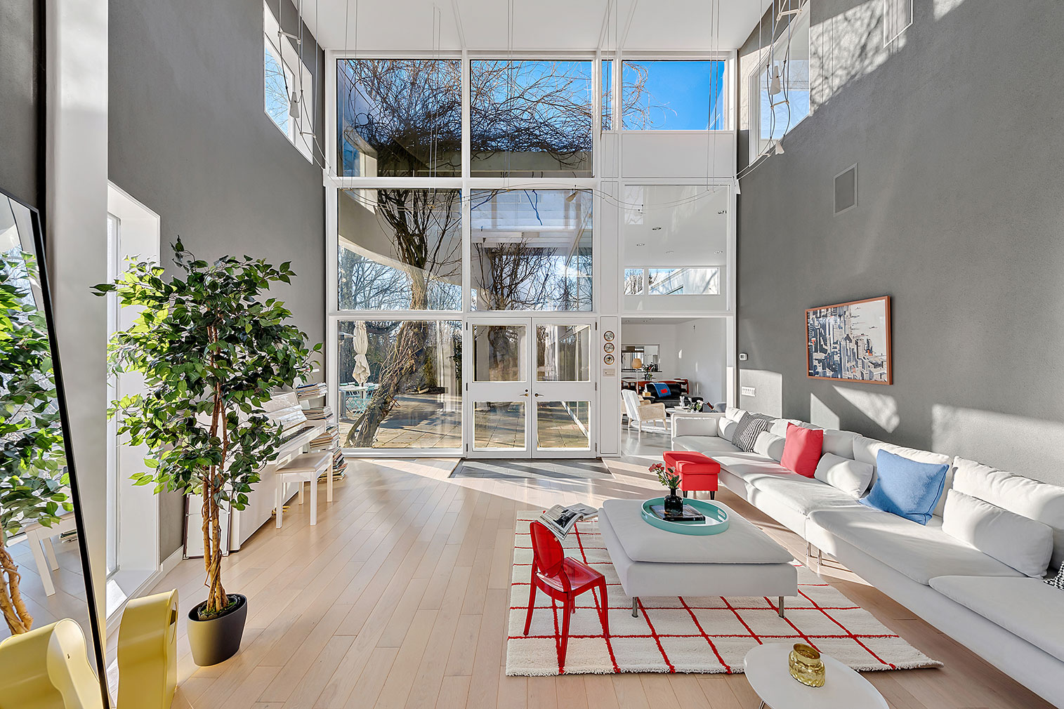 Award-winning Postmodern New York home by Robert A M Stern lists for $2.75m