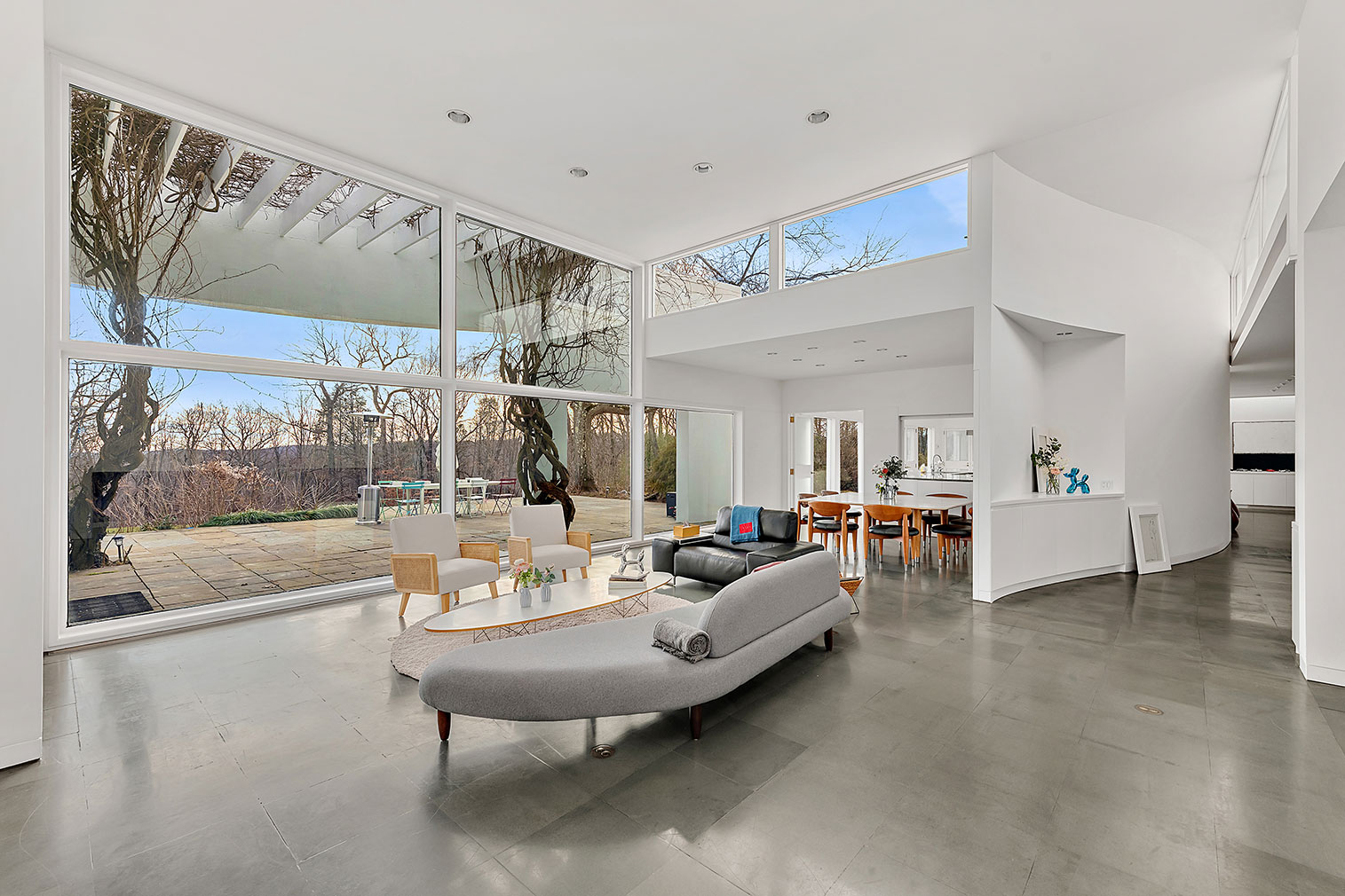 Award-winning Postmodern New York home by Robert A M Stern lists for $2.75m