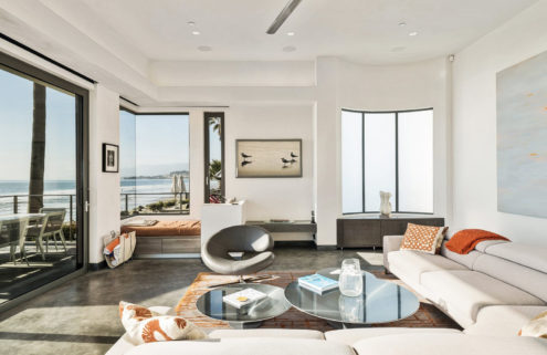 Bryan Cranston lists his oceanfront Californian home