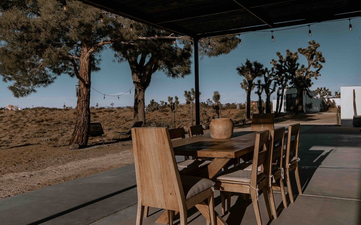 Le Chacuel sits on 7.5 acres of desert terrain in the Yucca Valley