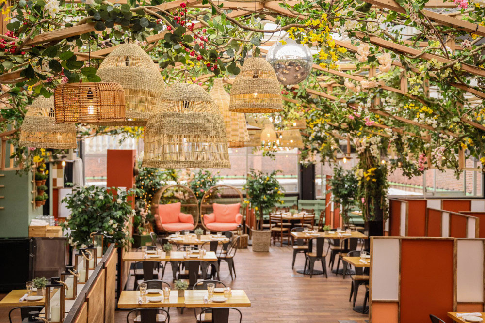The Italian countryside has arrived on New York's 5th Avenue thanks to Eataly NYC Flatiron, which has transformed its rooftop into a flower-covered greenhouse with a seasonal menu to match.