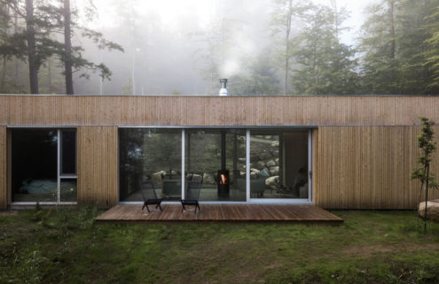 Hinterhouse brings Japandi 'headspace' architecture to the Canadian forest