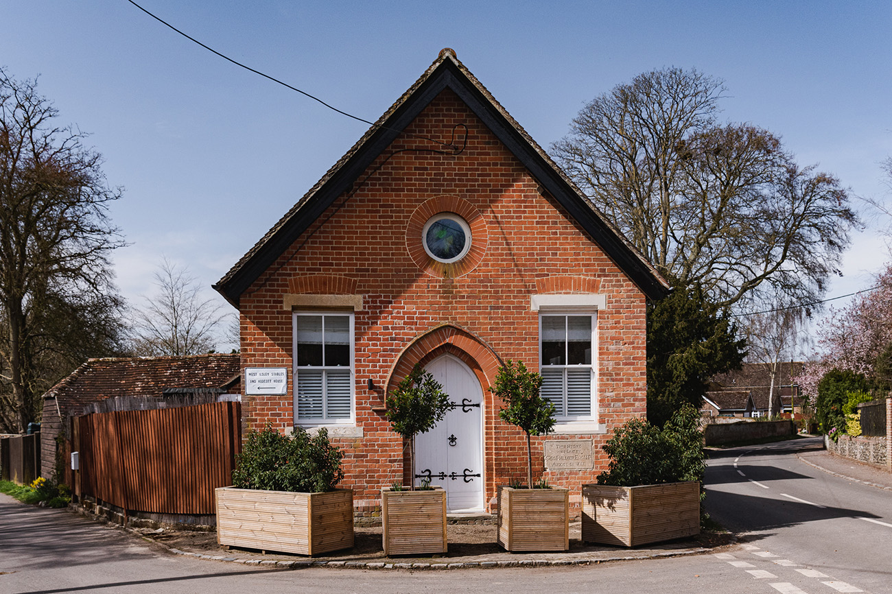 The Old Chapel is located in the village of West Ilsley on the border of Berkshire and Oxfordshire