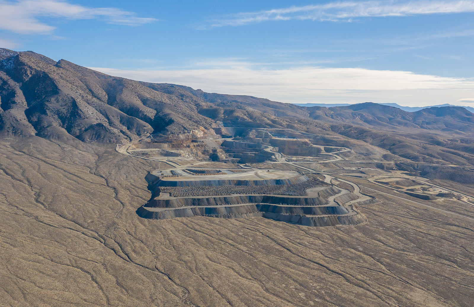 Gold hunters with deep pockets, take note: a Nevada gold mine with a 150-year history has gone on sale with a price tag of $40m.