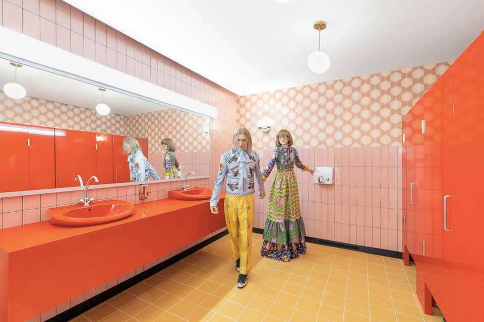The recreated Cruise 2020 restroom has a 1970s vibe