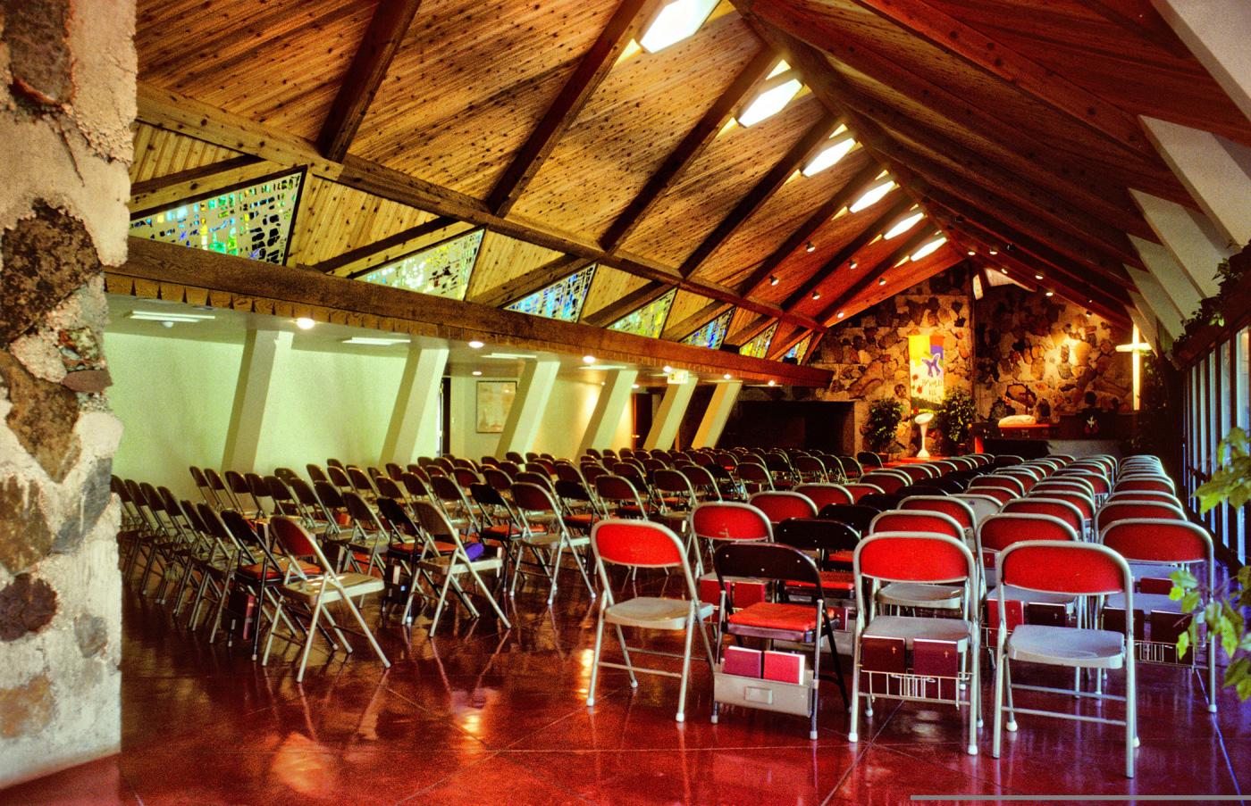Pilgrim Congregational church. Photography: Pat Mahoney / Frank Lloyd Wright Building Conservancy