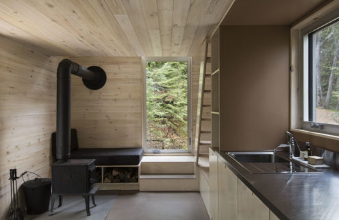 Quebec 'micro refuge' Grand Pic is a tiny cabin with big views