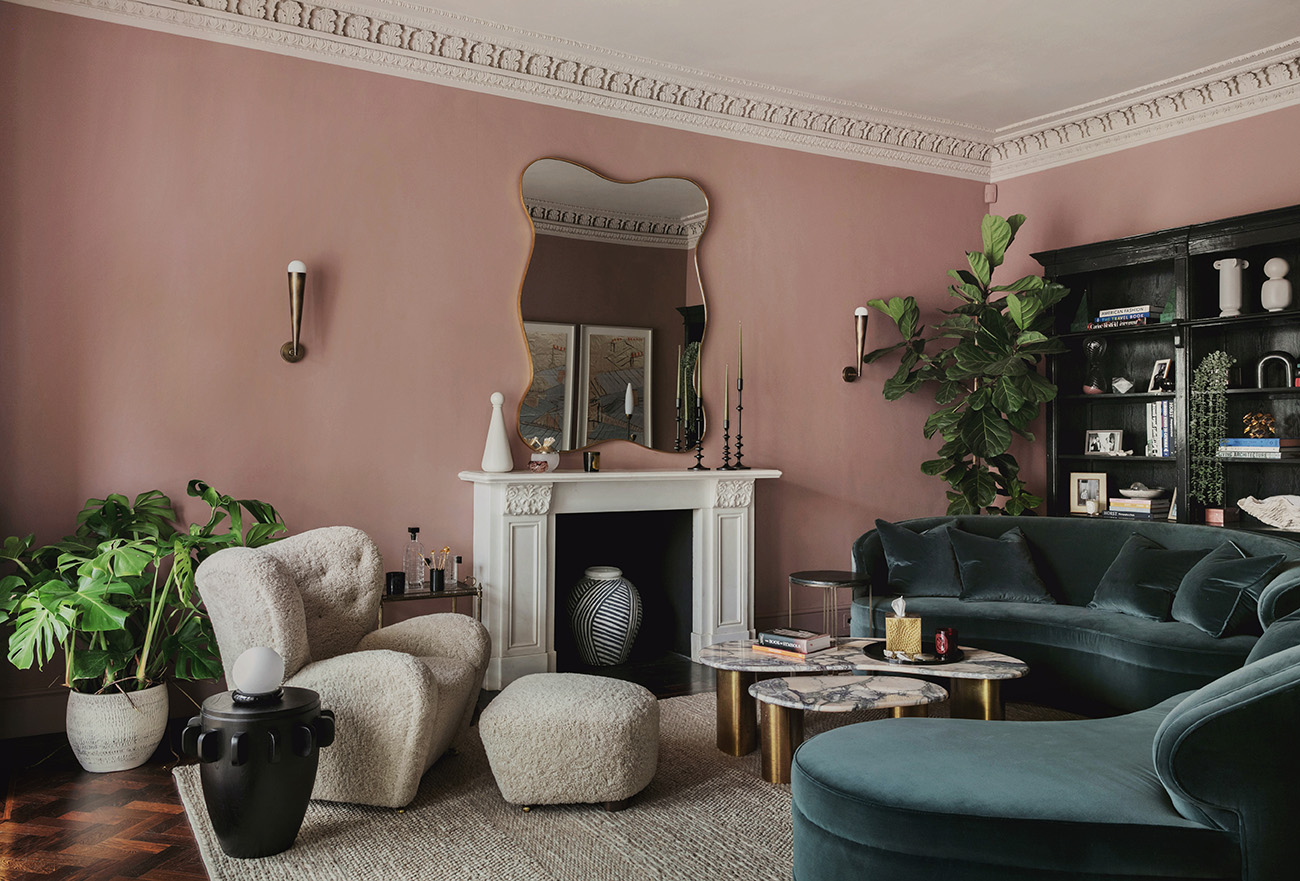 Pink and green living room interiors of Pembridge Place, designed by Studio Duggan and completed in 2020. Photography: Mariell Lind Hansen