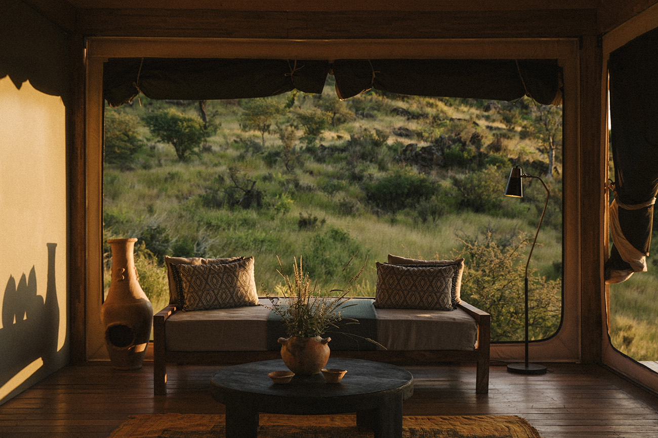 Habitas Namibia is a brand-new lodge 45 minutes from Windhoek's Hosea Kutako International Airport. It places a lot of emphasis on a cultural and multi-sensory experience
