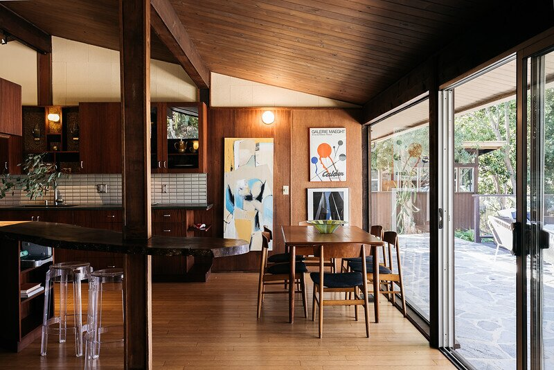 Living spaces open onto wide terraces