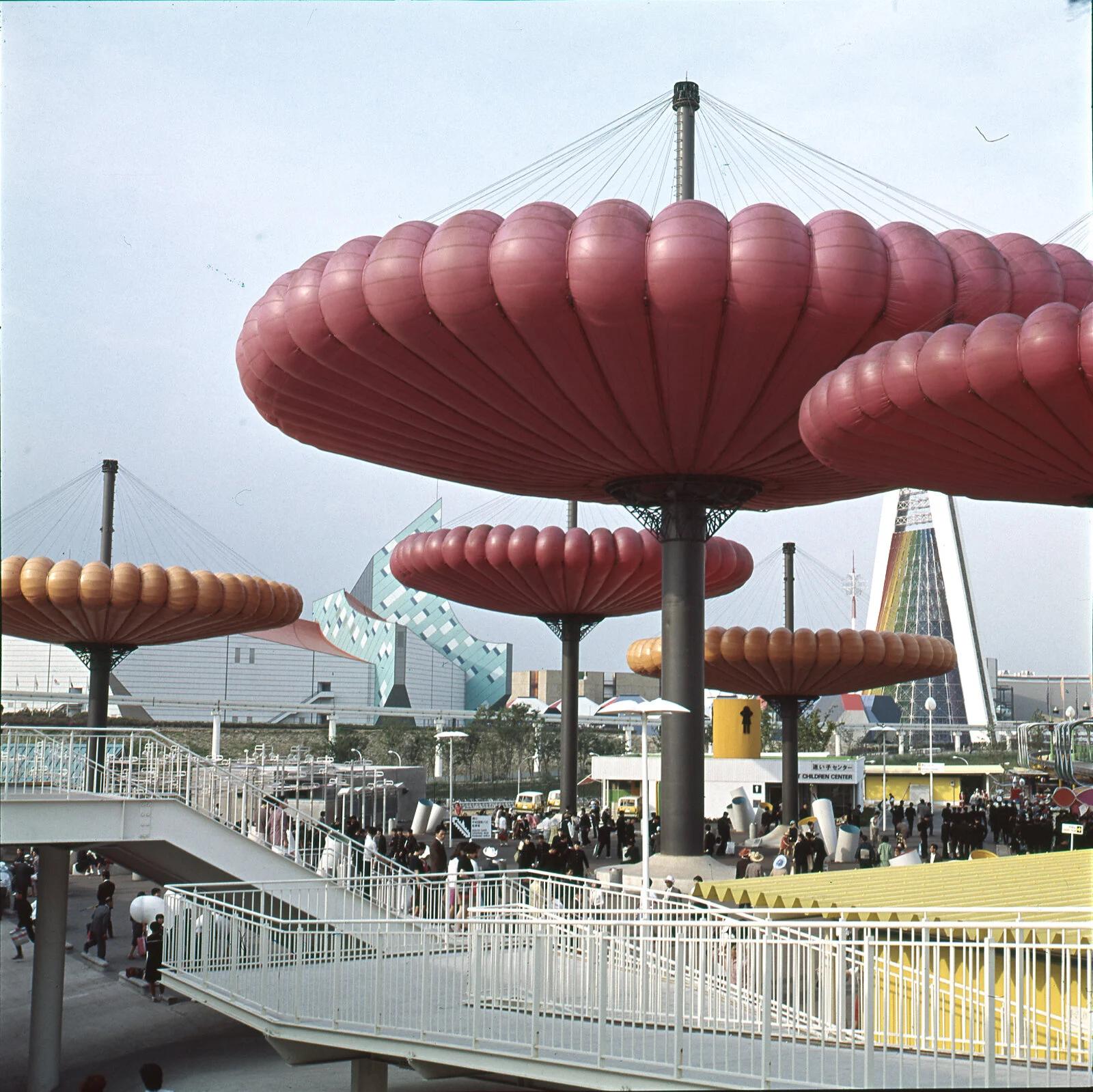 Taneo Oki and Sekkeirengo's Mushballoon at the Osaka World Expo, 1970. Photography: Centre Pompidou-Metz