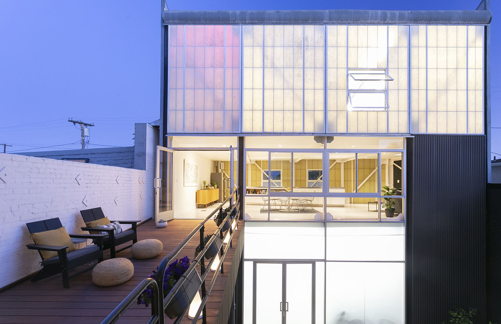 Venice artist-in-residence compound by David Ming-Li Lowe lists for $4.45m