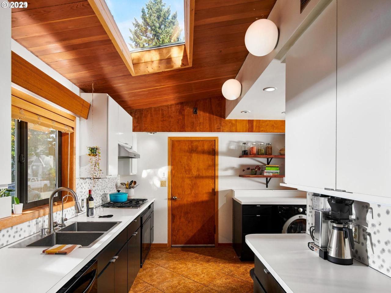 A cabin-like home in Portland lists for $798k